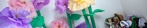 fleurs géantes en crépon pour photobooth