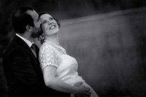 mariage-couple-grossesse-noir-et-blanc