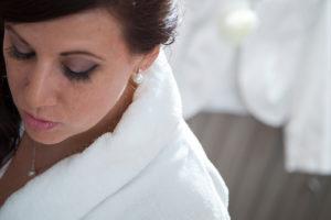 mariage-meuse-preparatifs-bijou-peignoir