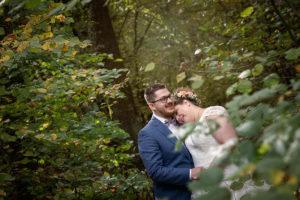mariage-couple-bois