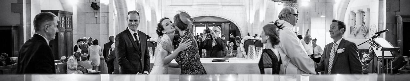 Scène de mariage dans une eglise